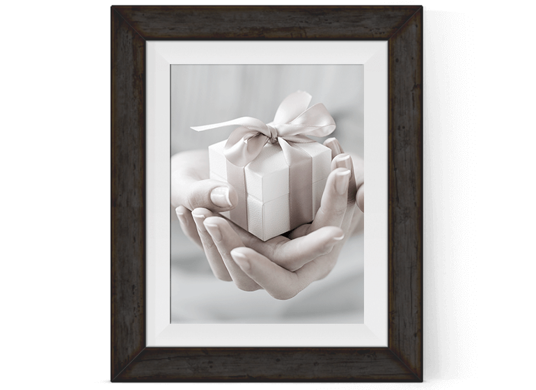 custom gift wrap service image by Pretty Present
