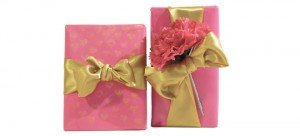 Valetine custom gift wrap service by Pretty Present