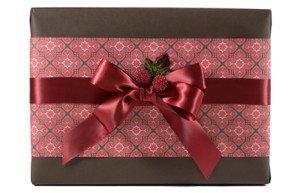 custom elegant gift wrap by Pretty Present