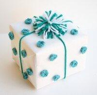 crochet-polka-dot-gift-wrap
