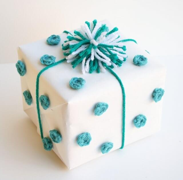 crochet-polka-dot-gift-wrap