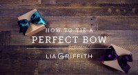 how-to-tie-the-perfect-bow-tutorial-feature-image-for-pretty-present-blog